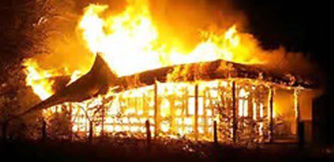 Otra vez mapuches incendiaron iglesias en el sur de Chile